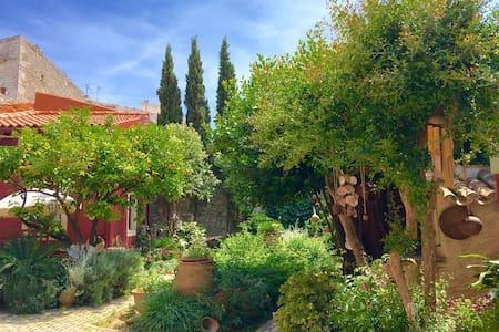 """Romantic Minoan Villa """"FILOXENIA"""" - Heraklion - Hus"""