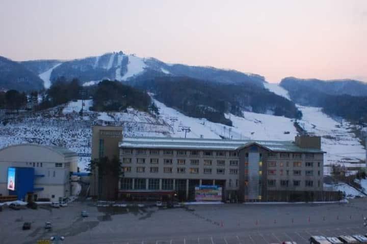 PYEONGCHANG accommodation 휘닉스평창 정문에 위치한 숙소