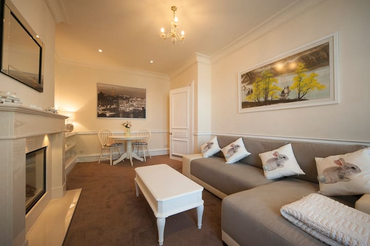 Luxury and Comfort  2 bed Apt Jesmond, Nr Uni's.