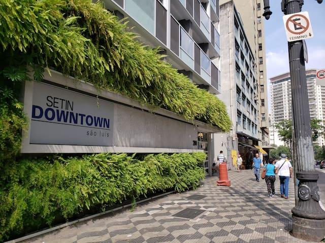 Studio Downtown São Luís -Centro de SP (C/Garagem)