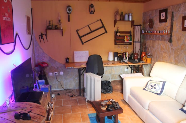 House w/ Excellent Garden and Close to the Beach - Miragaia