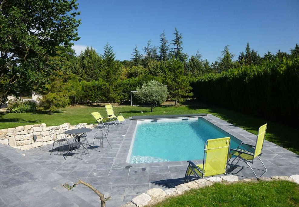 Large family villa with pool and garden h user zur miete for 4758 setting sun terrace