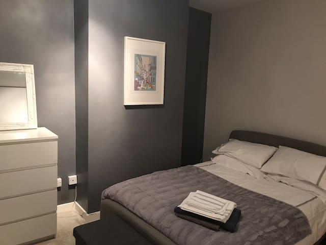 Main double room with double bed