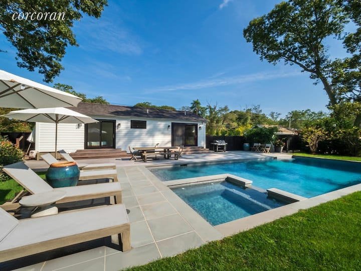 Designer Bridgehampton Cottage Saltwater Pool Spa