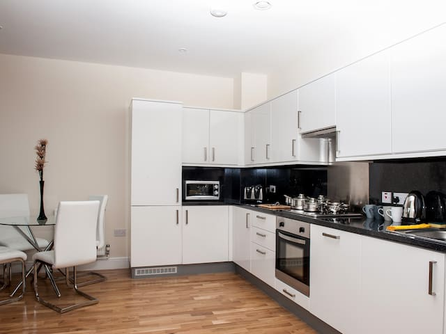Stylish 1 bedroom town centre flat