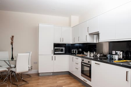 Stylish 1 bedroom town centre flat - Apartment