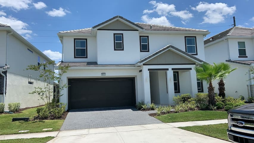 House in Orlando with a big pool close to Disney!