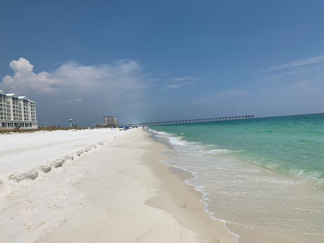 Beach Getaway II- Gulf and Bay views + no fees!
