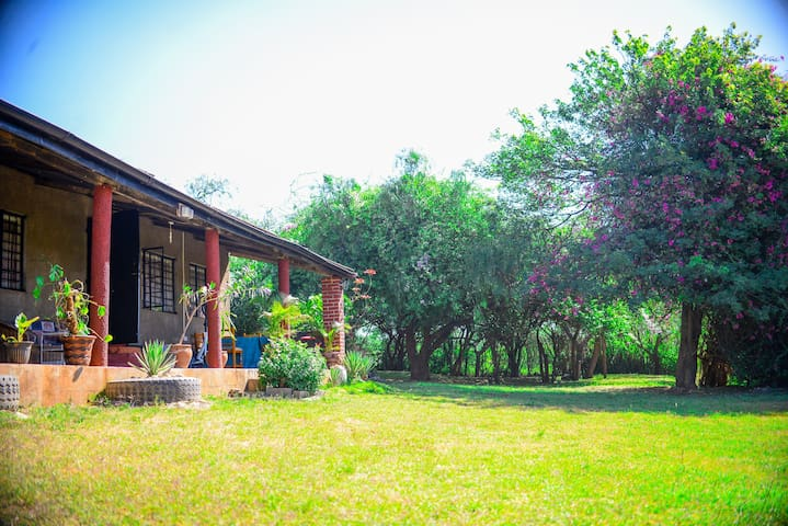 QVC Safari Home Kenya - Nairobi - Banglo
