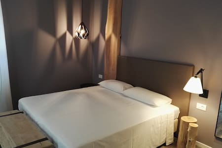 New room (no balcony) 1 - Locanda la Cross - Garda - Bed & Breakfast
