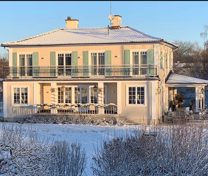 Luxury home in attractive Djursholm