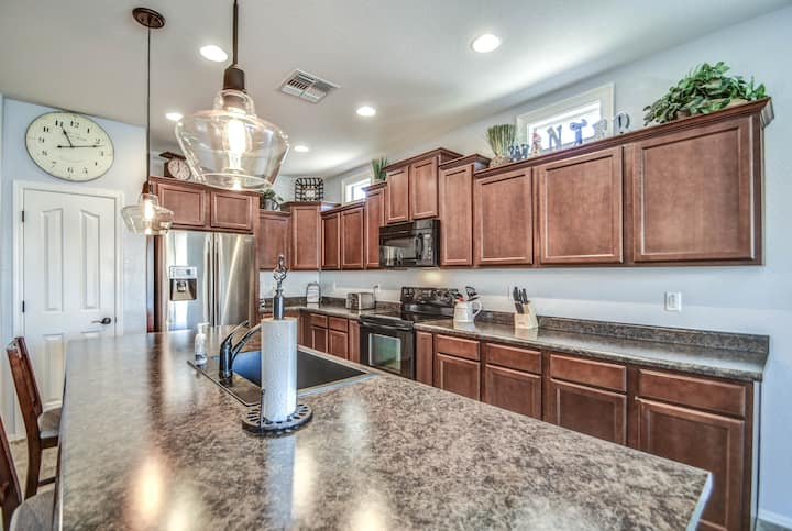 immaculate 3 bedroom San Tan Valley home