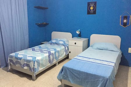 Spacious twin bedroom in Mosta - mosta