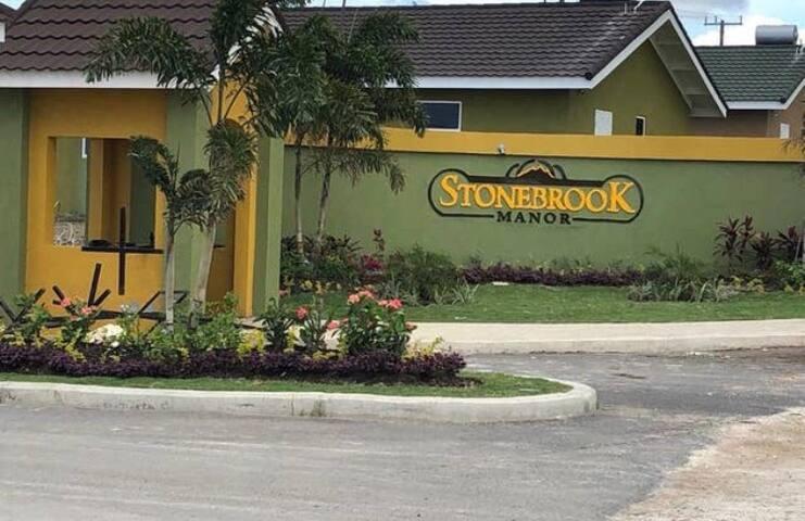 Seaview Villa at Stonebrook Manor 2