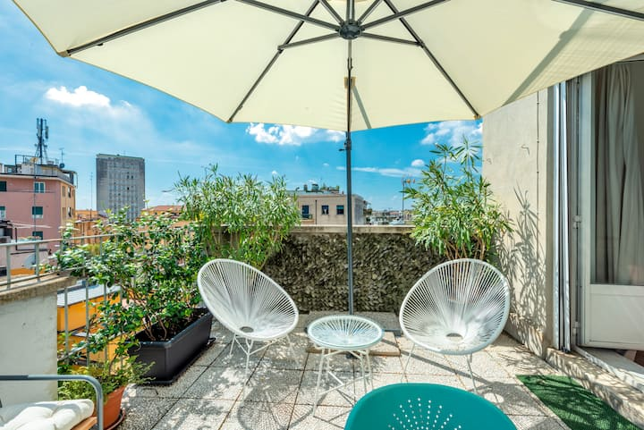 DUOMO/NAVIGLI 1-Wonderful Apt. for 4 with Terrace