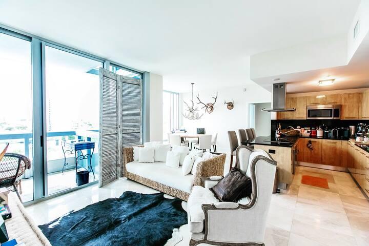 Carillon Resort 2/2 Luxury Suite