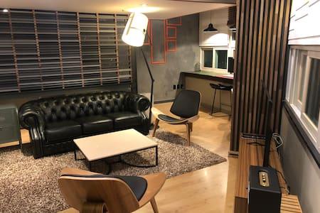 Private Studio 11 / 파티룸, 홈파티, 주방, 브라이덜샤워, 넷플릭스