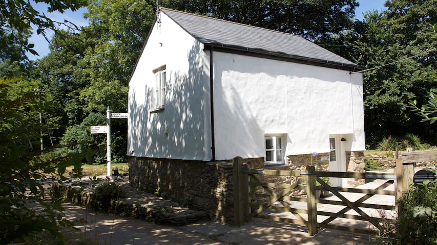 NEW listing.  Luxury cottage in central Cornwall. - Saint Erme - Maison
