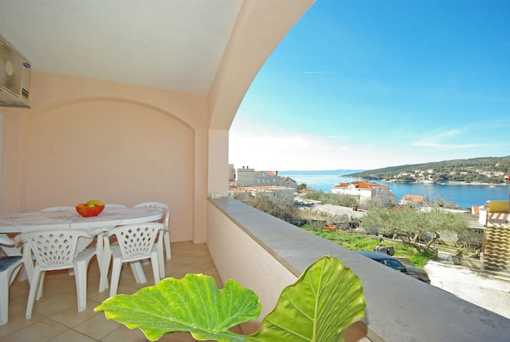 Rose - Two Bedroom Apartment with Sea View Terrace