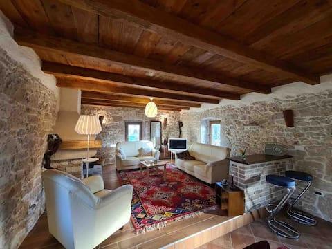 Kleines charmantes Steinhaus im Herzen von Istrien