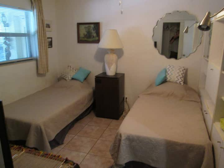 Private Room , 2 Beds