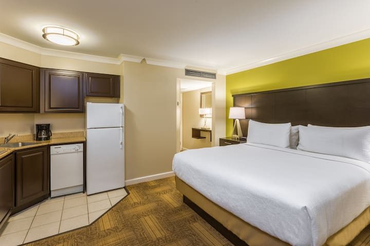 Studio Suite with Atrium View | Complimentary Breakfast+ Free Wi-Fi