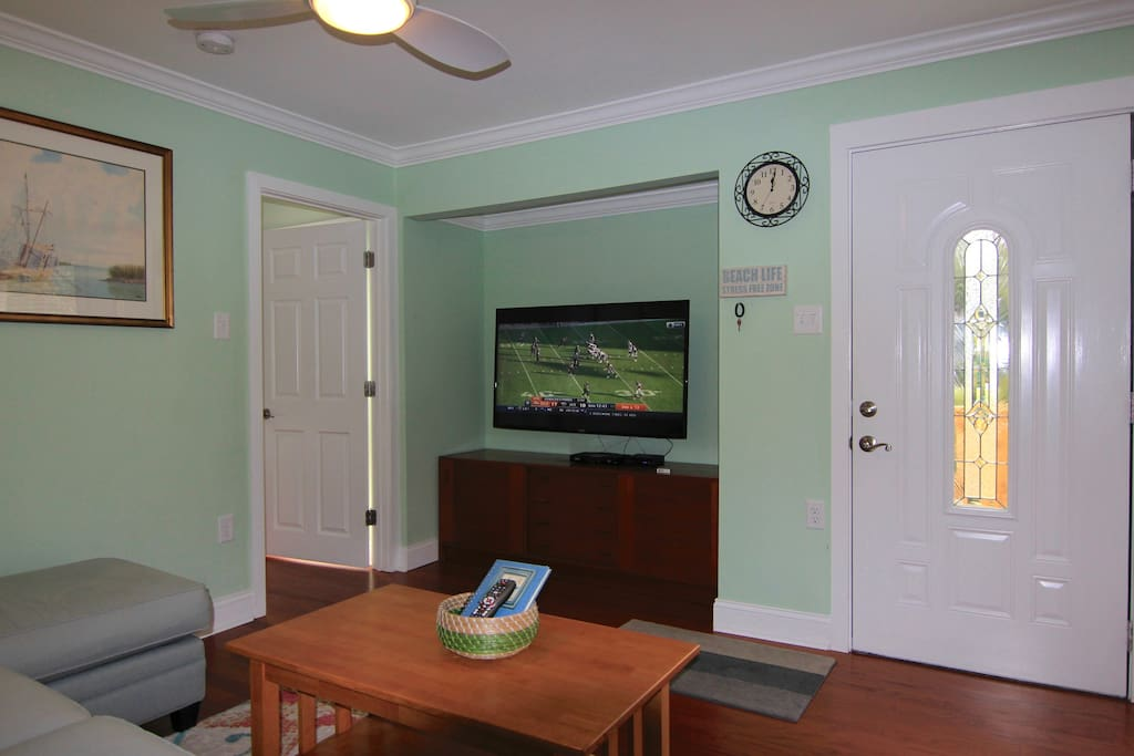 "55"" smart TV, with Comcast cable. Wifi  high speed internet"