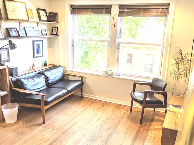 Junior 1 Bedroom Surf Shack in Uptown