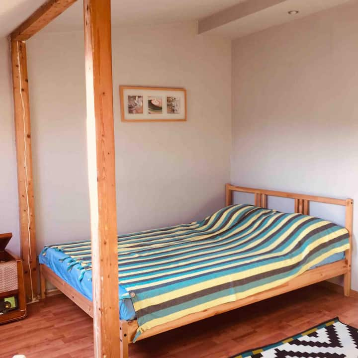 Cozy and comfort room -15 min from the beach