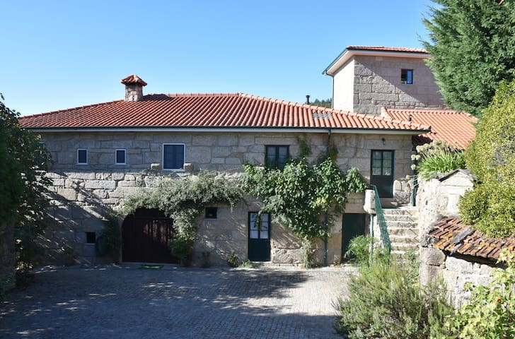 Manor House with 5 suites and pool