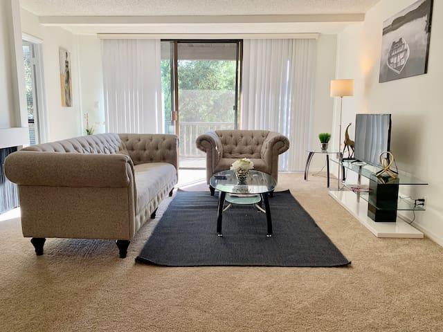 Lovely Marina Del Rey Apartment