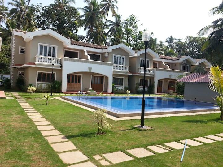 Aquamarine Holiday Villa - 2