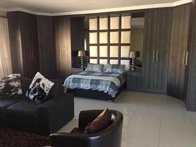 Modern fully furnished apartment