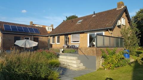Vrijstaande bungalow - rust, ruimte & privacy