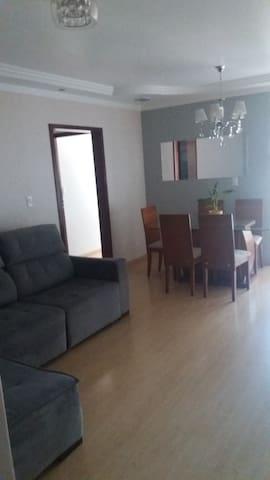 Aluguel de quartos cama solteiro, valor por pessoa - Maringá - Appartement