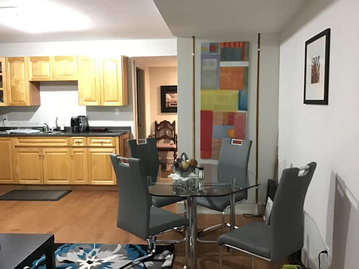 Cozy, newly decorated, charming, private apartment