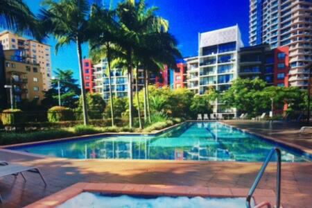 Kangaroo Point Best Swimming Pool ( City 4minutes) - Kangaroo Point - Apartamento