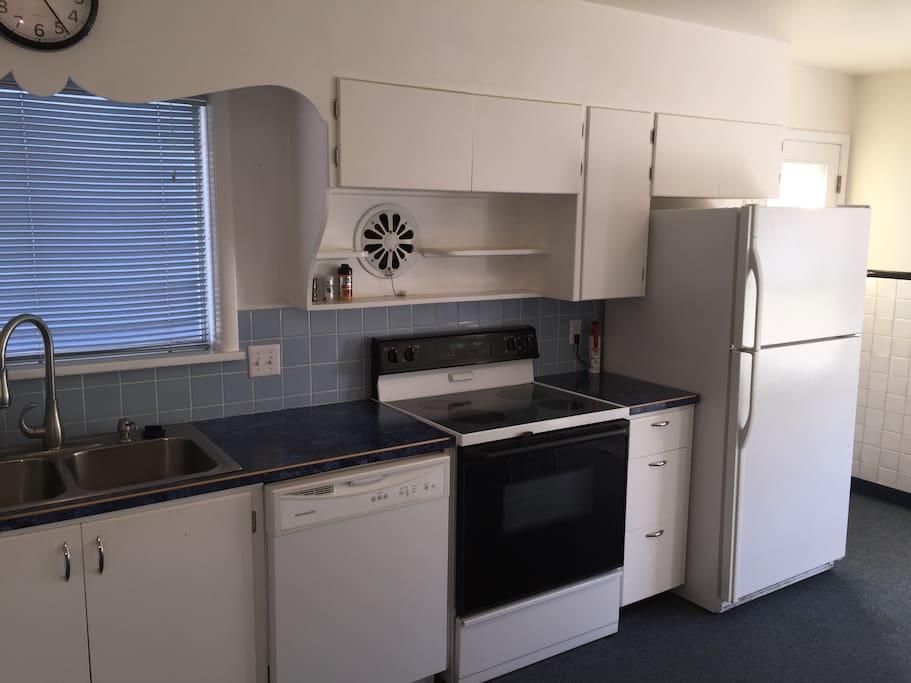 Dishwasher, Range/Oven, Refrigerator with Ice Maker.
