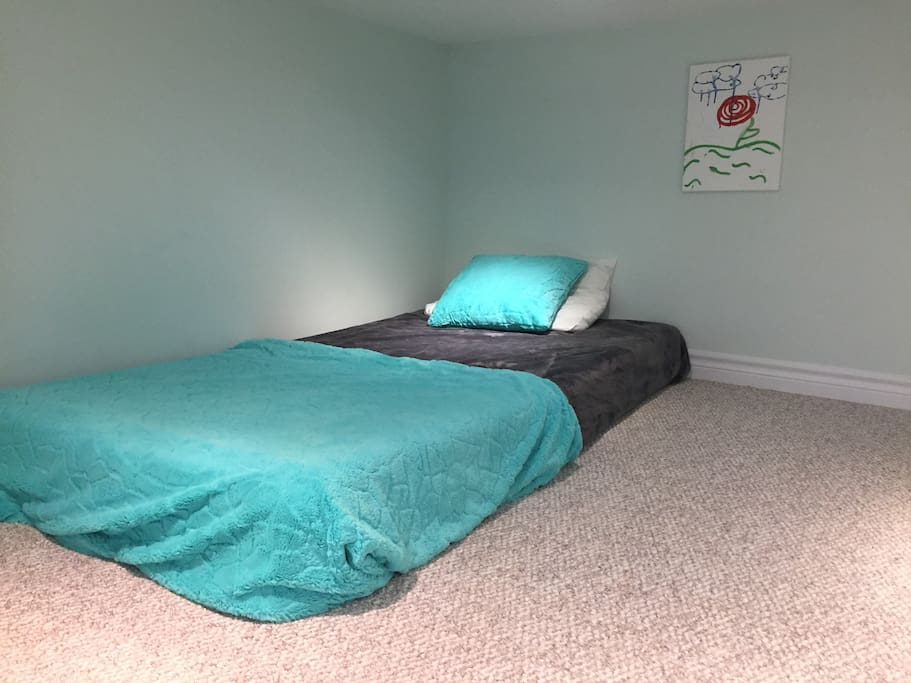 The bonus loft off of the Poolside Room is perfect for kids! Teens and adults will also love this quirky, comfortable space stocked with toys, games, books, and two twin mattresses.