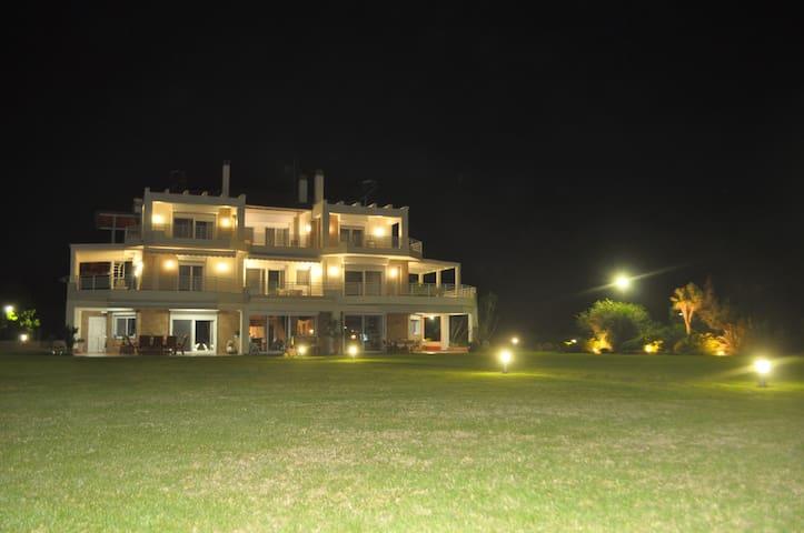Villa Kaliva - Kalives Poligirou - Villa