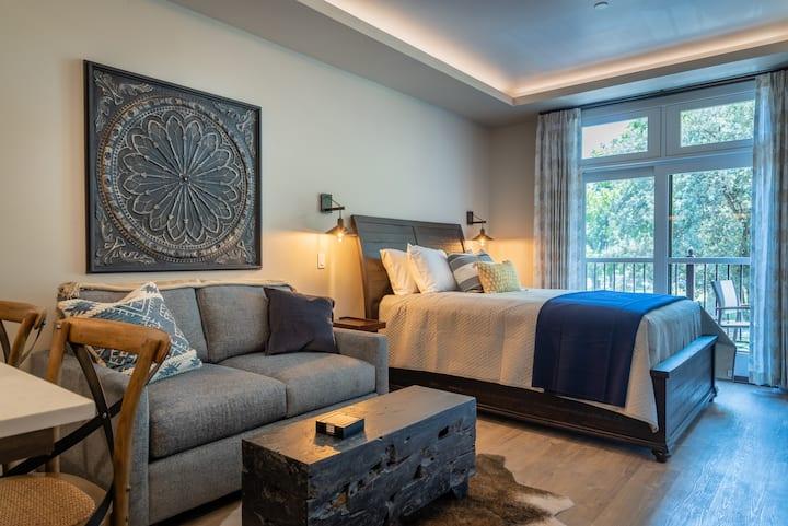 Paso Park Suite 203