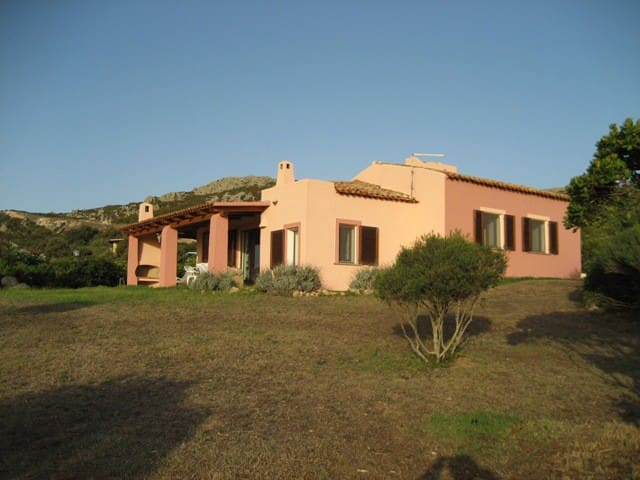 Unique Villa with large private garden and veranda - Santa Teresa Gallura - Villa