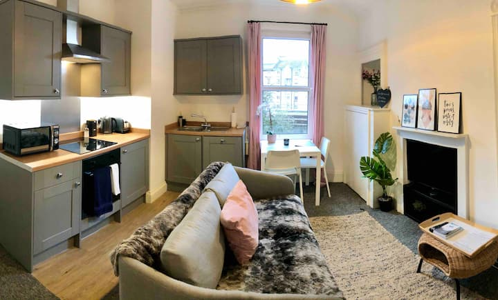 A cosy central one bed flat with parking permit