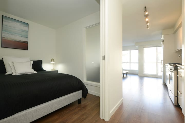 Beautiful Downtown Condo in The Union