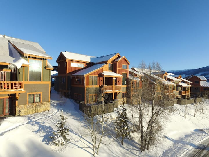 Silverthorne Vacation Rental Townhome 2000sf 4br