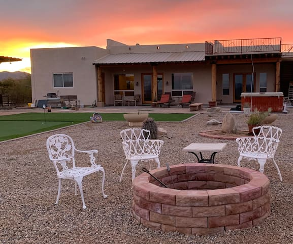NEW! DESERT DREAMING - Quiet Private Guest Suite