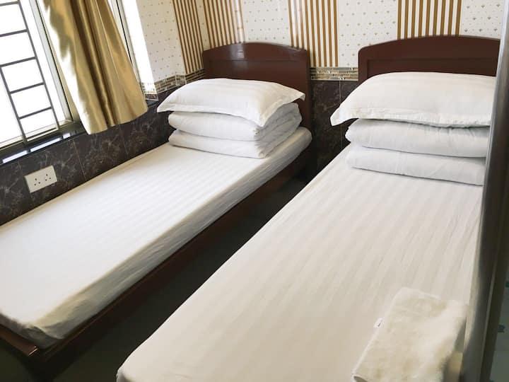 (712)超讚酒店式大床房--樓下步行2分鐘即達旺角、太子地鐵站/巴士站,近朗豪坊,女人街,波鞋街