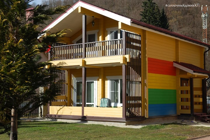 The new wooden house, 100 sq.m, near ski lifts.