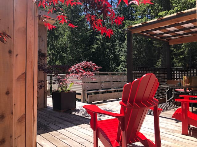 Treehouse Cottage private deck, outdoor shower and gazebo. What more could one ask for!