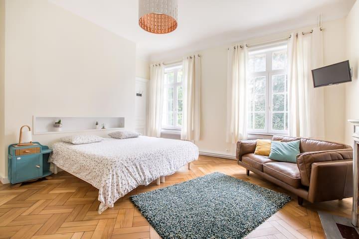 Chambre luxe avec salle de bain privée à Mouvaux